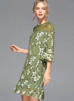 Chic Color-blocked Lace Flare Sleeve Mermaid Dress