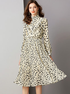 Elegant Floral Stand Collar Slim Pleated Dress