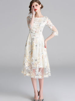 O-neck Half Sleeve Embroidered Mesh Dress