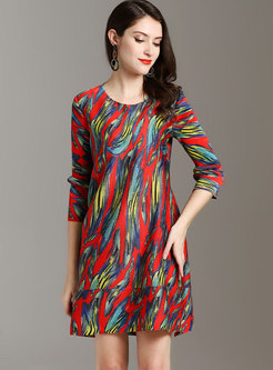Multi Color Print O-neck Pleated Shift Dress