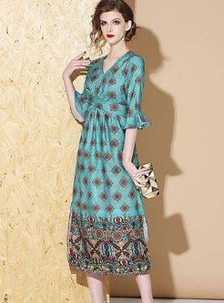 V-neck Flare Sleeve Print Big Hem Dress