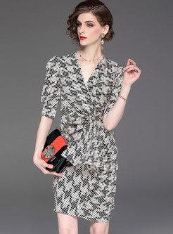 Polka Dot V-neck Half Sleeve Sheath Dress