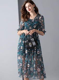 Print V-neck Elastic Waist Skater Dress With Cami
