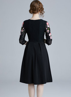 O-neck Embroidered Lace Skater Dress