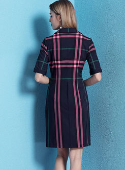 V-neck Short Sleeve Sheath Plaid Dress