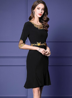 Color-blocked Embroidered Flare Sleeve Mermaid Dress