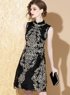 Retro Stand Collar Embroidered Sleeveless Waist Skater Dress