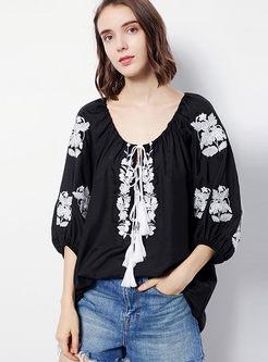 Ethnic O-neck Embroidered Tassel T-shirt