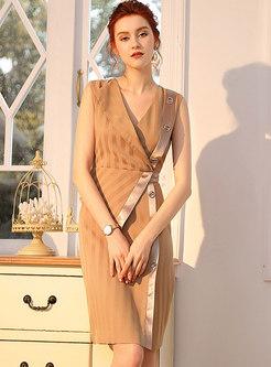 Elegant V-neck Striped Sleeveless Pencil Dress