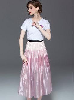 Brief O-neck T-shirt & Elastic Waist Pleated Skirt