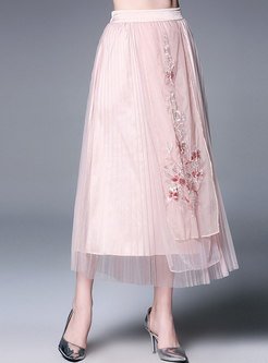 Chic Embroidered Elastic Waist Pleated Skirt