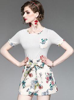 Stylish O-neck Color-blocked T-shirt & Tied Shorts