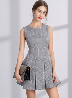 Stylish Plaid O-neck Sleeveless Mini Skater Dress