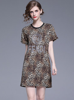Chic Leopard O-neck Diamond-ironing T-shirt Dress