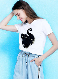 Brief Stereoscopic Pattern Embroidered Casual T-shirt
