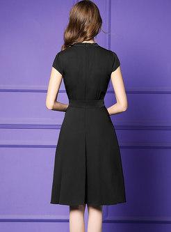 Diamond Gathered Waist O-neck Black Slim Skater Dress
