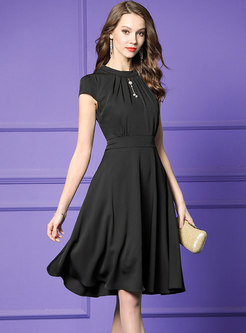 Diamond Gathered Waist O-neck Black Slim Skater Dress