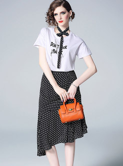 White Letter T-shirt & Falbala Irregular Sheath Skirt