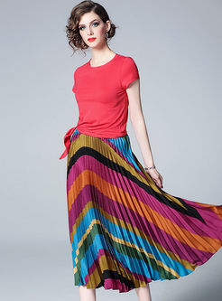 Brief Solid Color T-shirt & Big Hem Pleated Skirt