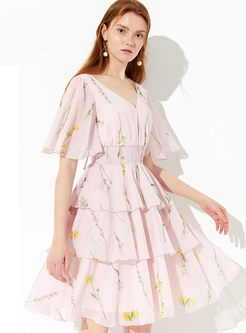 Fashion V-neck Flare Sleeve Print Cake Dress