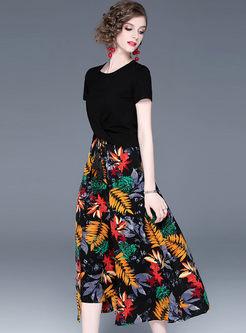 Black O-neck Slim T-shirt & High Waist Print Skirt
