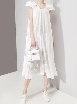 Chic White V-neck Sleeveless Pleated Shift Dress