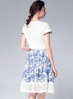 Vintage Print T-shirt & Hollow Out Splicing Skirt