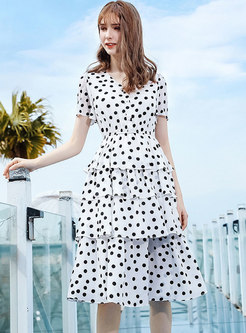 Stylish Dots Pattern V-neck Tiered Cake Dress