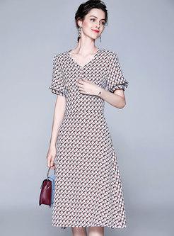 Geometric Print V-neck Top & High Waist Skirt
