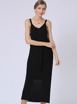 Brief Solid Color V-neck Slim Knitted Dress