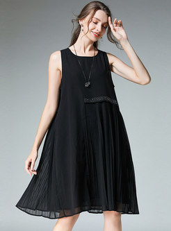 Solid Color O-neck Diamond-ironing Pleated Shift Dress