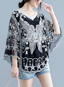 Plus Size V-neck Bat Sleeve Lace Blouse