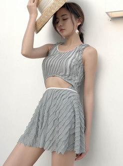 Chic Scoop Neckline High Waist Pleated Swimwear