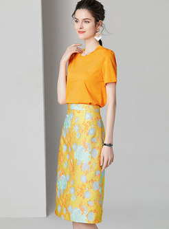 Solid Color O-neck T-shirt & Jacquard Sheath Skirt