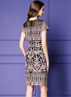Elegant Embroidered Splicing Plus-size Bodycon Dress