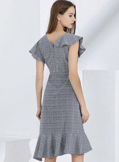 Stylish V-neck Plaid Flouncing Irregular Bodycon Dress