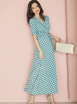 Geometric Pattern V-neck Tied Sheath Maxi Dress