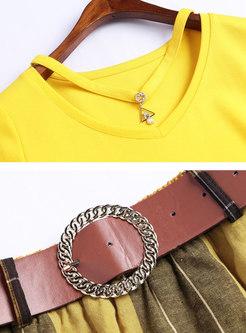 Solid Color V-neck T-shirt & Plaid Belted Skirt