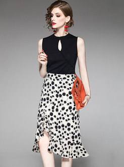 Black Sleeveless Knitted Top & Asymmetric Split Print Skirt
