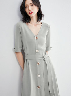 Solid Color V-neck Single-breasted Tied Knitted Dress