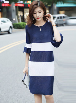 Crew Neck Color-blocked Flare Sleeve Shift Dress
