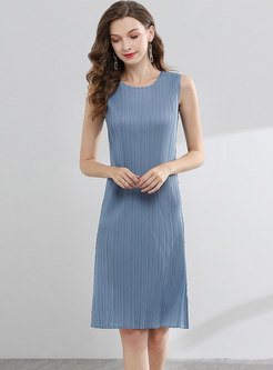 Brief O-neck Sleeveless Light Blue Pleated Dress
