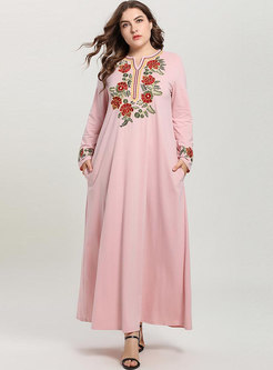 Loose Flower Embroidery Pullover Maxi Dress