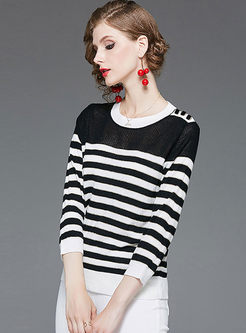 Brief O-neck Striped Slim Sweater