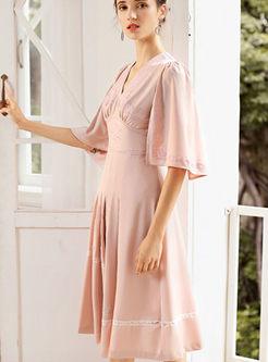 Retro V-neck Flare Sleeve Pleated Dress