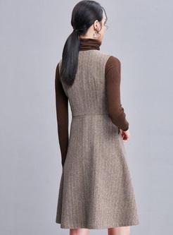 Solid Color Geometric V-Neck Sleeveless Midi Dresses