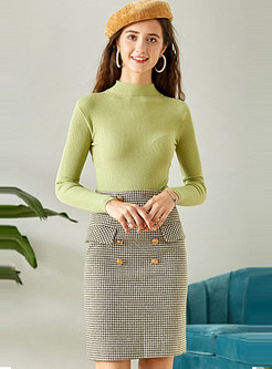 Stand Collar Slim Knit Top & Slim Plaid Skirt