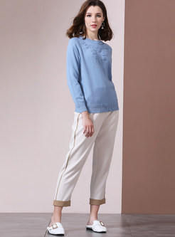 Solid Color O-neck Embroidered Sweater