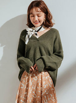Solid Color V-neck Pullover Sweater