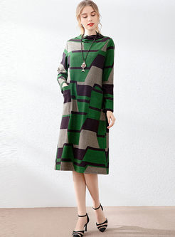 Half Turtleneck Geometric Print Shift Dress